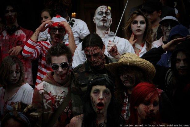 photos/zombiewalktoulon2010/zw.2010-13.jpg